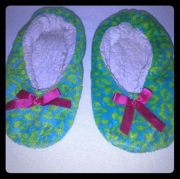 Extreme Me girls sz 12 bedroom slippers